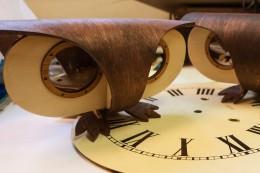 Plexitube Owl Clock