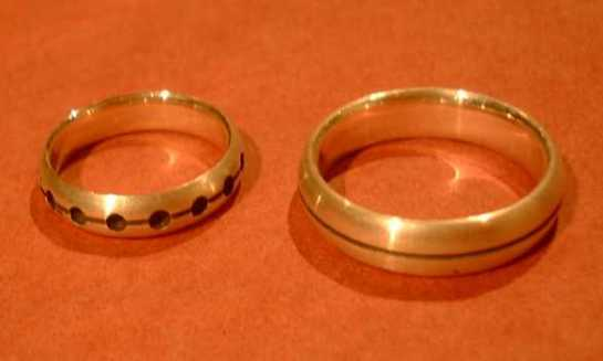 both_rings_on_red